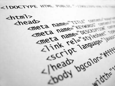 Przykładowe znaczniki HTML znajdujące się w sekcji HEAD