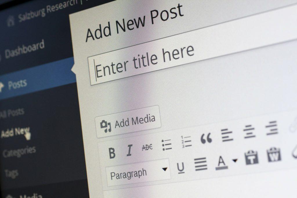 Czym różni się wpis od strony WordPress?